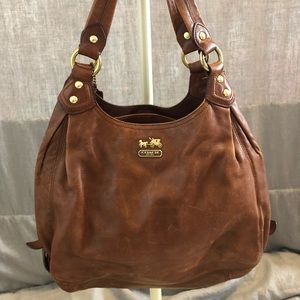 NEW LISTING! COACH Vintage Mia Maggie
